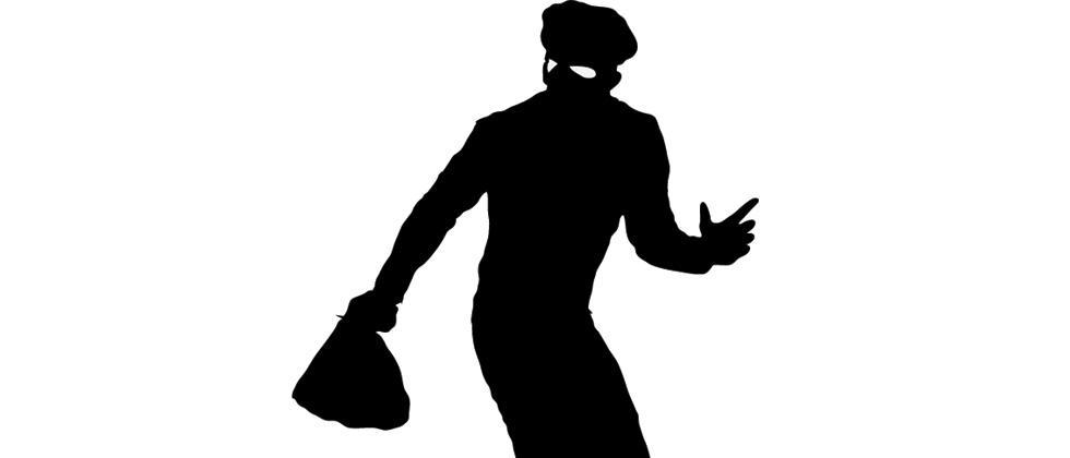 Ganesh Idol vendor assaulted by four men