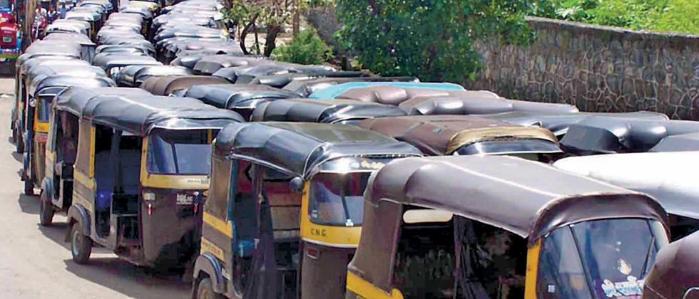 Pune auto drivers demand rollback of online system