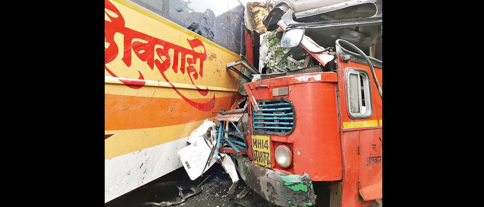 About 87 passengers were injured in an accident between Shivshahi and ST bus in Karlekhind (near Alibag) on Thursday