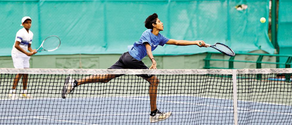 Manas, Daksh steal victory in style