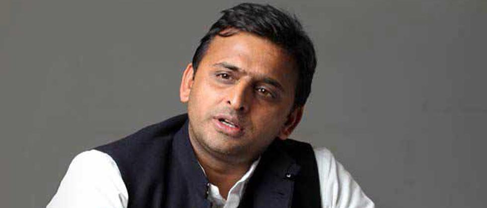 EVM snags 'dangerous trend for democracy': Akhilesh Yadav