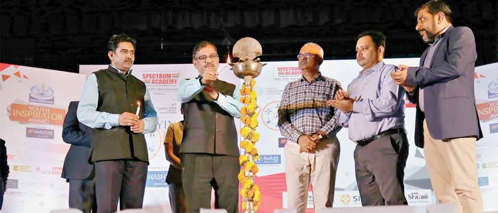 YIN Summon Youth Summit inaugurated by sr adv Ujjwal Nikam, CEO Pune Smart City Rajendra Jagtap, SPPU's Pro Vice-Chancellor Dr NS Umraani, Director of Spectrum Academy Sunil Patil, CEO-DCF Puneet Bali & YIN Chief Manager(Community Network)Tejas Gujarathi
