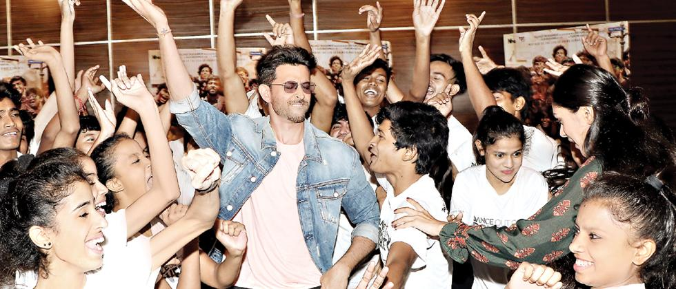 Hrithik launches Facebook group to promote self-expression