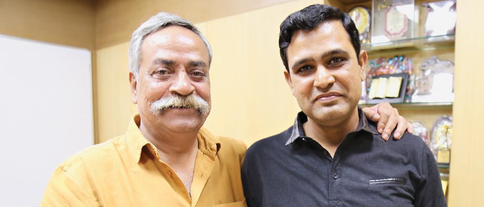 Piyush Pandey (L) with Prasad Namjoshi, who translated his bestseller Pandeymonium – Piyush Pandey on Advertising, into Marathi, titled Pandeypuran – Jahirat Aani Me. The book was released on Thursday.
