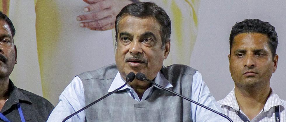 Nitin Gadkari feels uneasy at Maharashtra rally, leaves venue