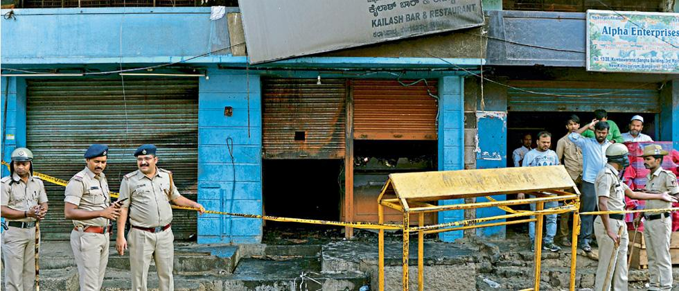5 charred to death as fire breaks out in bar