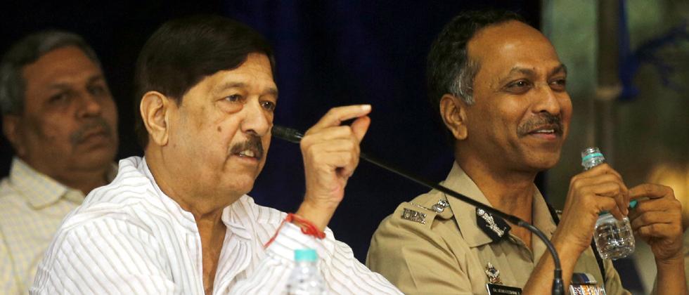 Girish Bapat meets mandals & police ahead of Ganesh fest