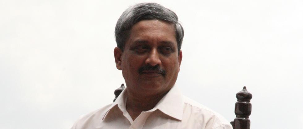 Manohar Parrikar to fly to US for treatment