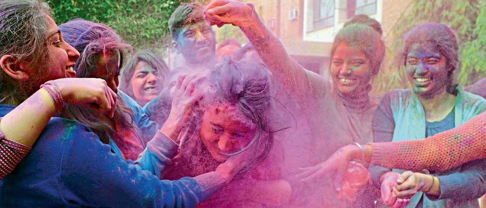 Docs advise caution during Holi festivities