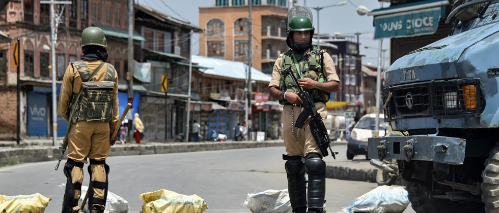 Jawan injured in encounter with militants, 3 civilians hurt in clashes with security forces