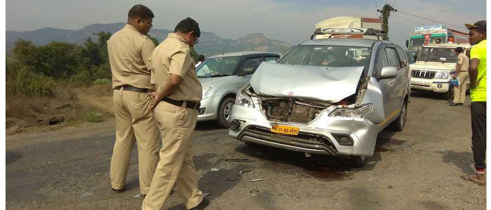 Anant Geete's car meets accident, security officer injured