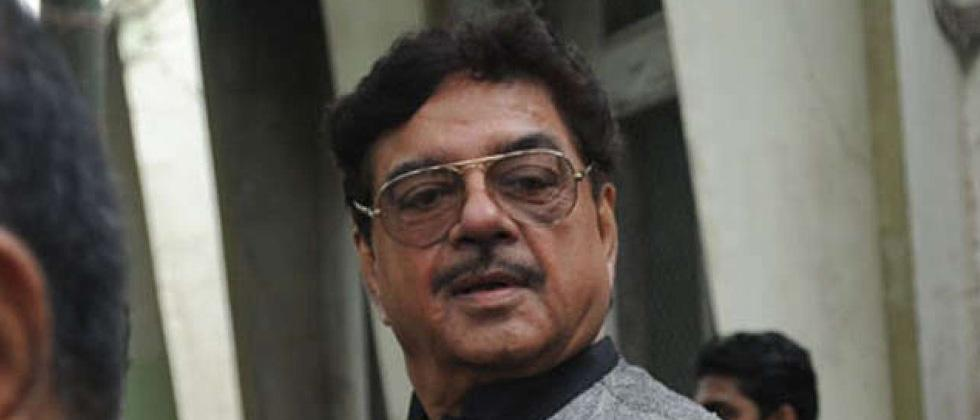 BMC razes illegal construction in Shatrughan Sinha's home