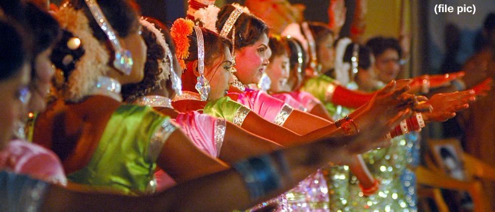 Foundation demands reconstitution of panel awarding prize to tamasha artistes