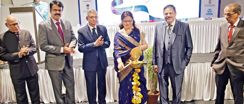 Mukta Tilak inaugurates MAHATech 2019