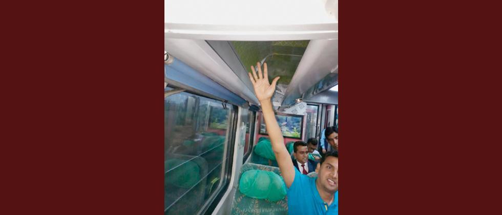 Pune-Secunderabad Shatabdi Express found unclean, broken