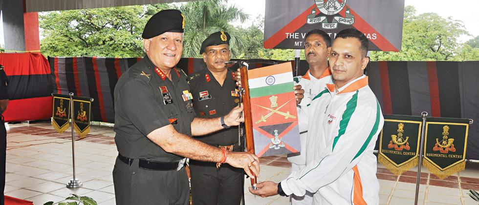 Southern Army Commander flags off Mt Kun expedition