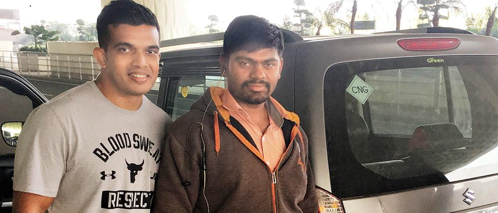 Uber driver drives to Mumbai to return bag left by a passenger