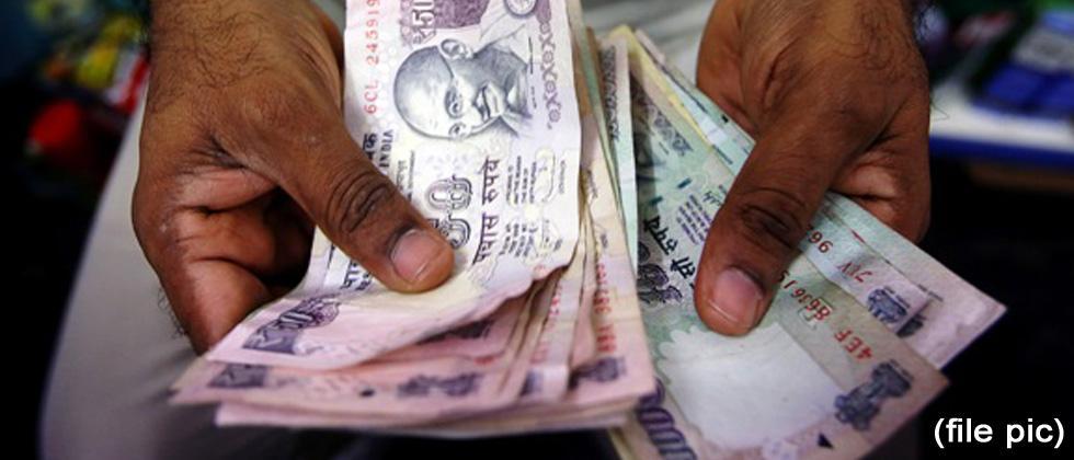 Vendors at Durga temples prefer only cash payments