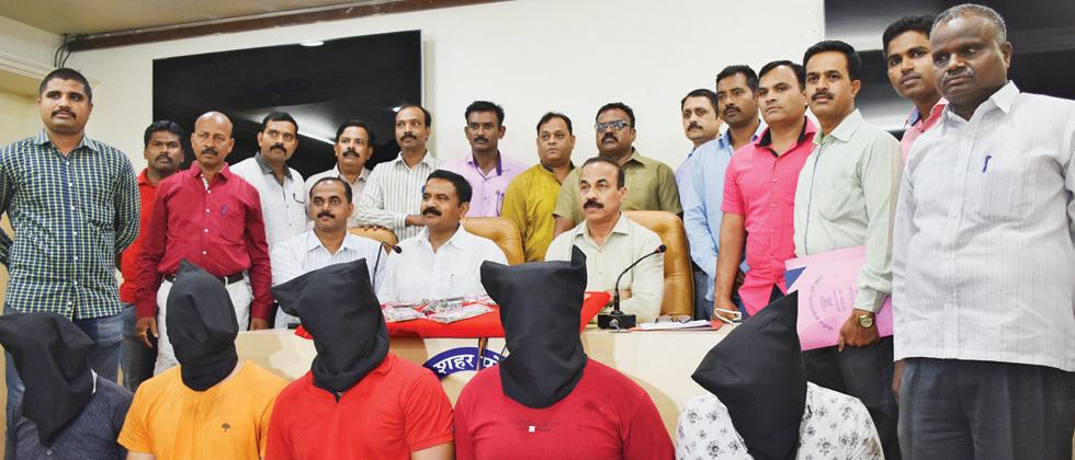 5 held for taking Rs 14.3L ransom