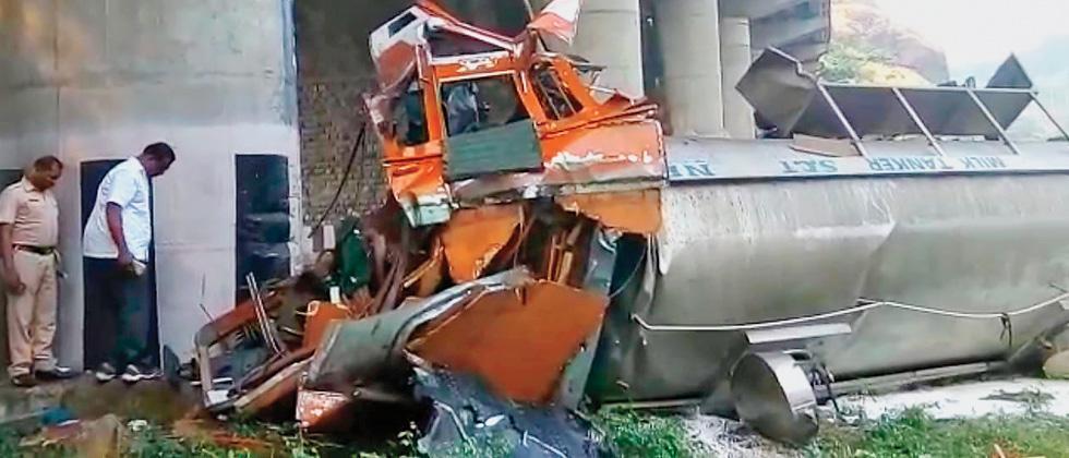 Man killed in accident on Pune-Mumbai E-way