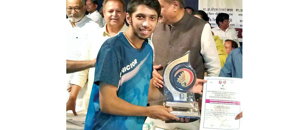 Arya Bhivpathaki poses with his trophy after winning Maharashtra Jr State Selection tournament.