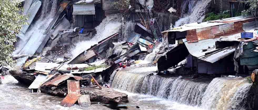 30 homes washed away by deluge on Sinhagad Road