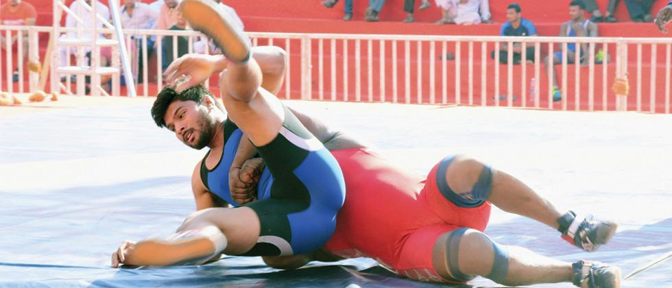Pune grapplers Vikas, Saba and Sachin enter semi-finals