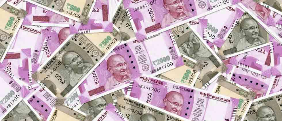 Nepal writes to RBI to declare banned new Indian currency notes legal