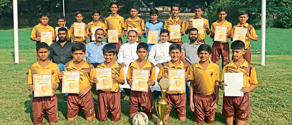 St Vincent's boys impress in football