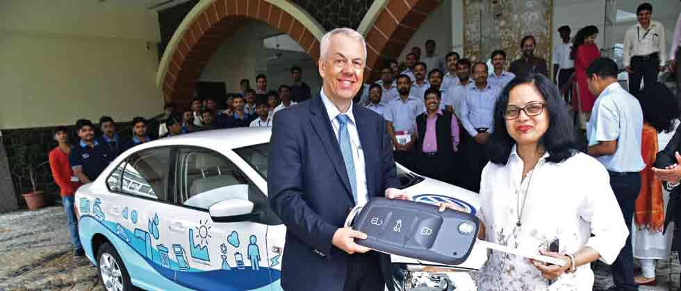 Volkswagen donates Vento car to SSOU students