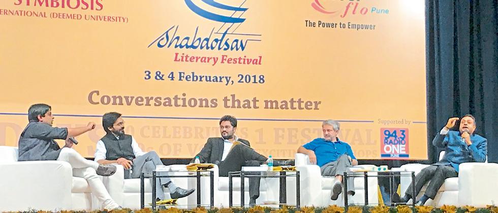 (l-r) Prashant Jha, Muhammad Khan, Babul Supriyo, Mayank Gandhi and Dr Sambit Patra at Shabdotsav 2018