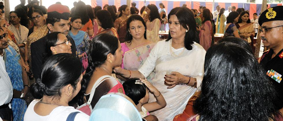 Dr Suman Soni, Regional President, Army Wives Welfare Association, interacting with Veer Naris of Pune.