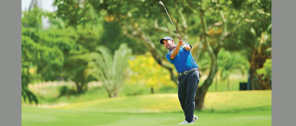 Shiv Kapur hits a shot during the final round of the Royal Cup 2018 at the Phoenix Gold Golf and Country Club.