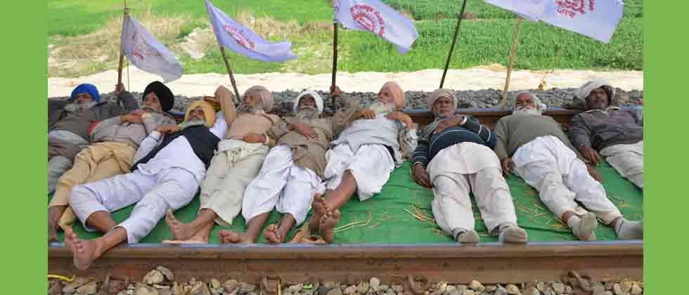 Farmers lift blockade from Amritsar-Delhi rail track