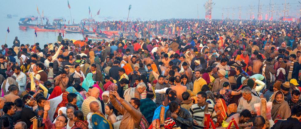 Lakhs of devotees take dip in Ganga on Paush Purnima