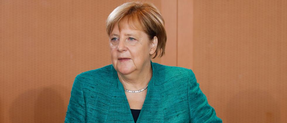 After Trump attack on Russia ties, Merkel eyes Azeri gas
