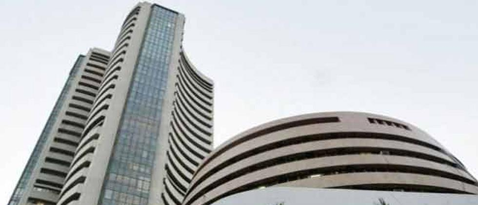 Sensex tanks over 800 points on rate hike fears, downhill rupee