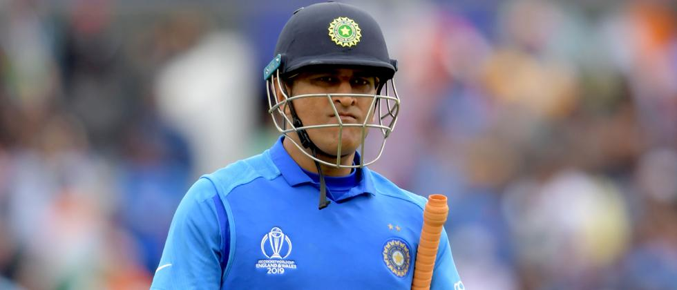 Dhoni has no immediate plans to retire, says longtime friend Arun Pandey