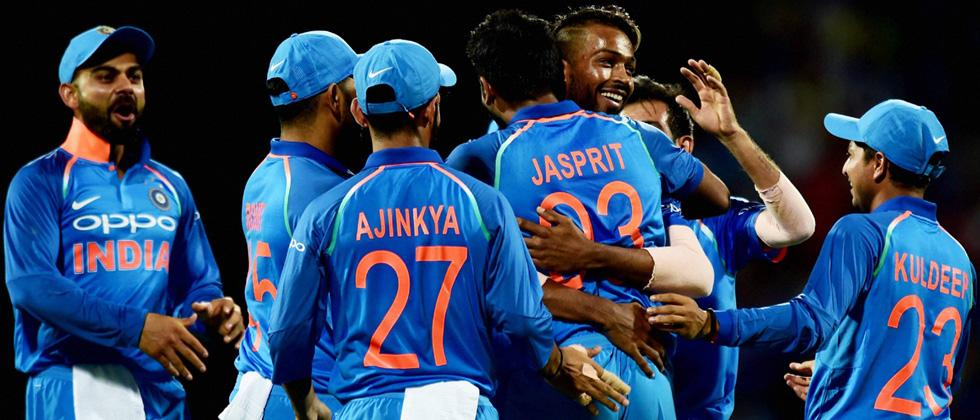 Pandya, Dhoni guide India to easy win over Australia