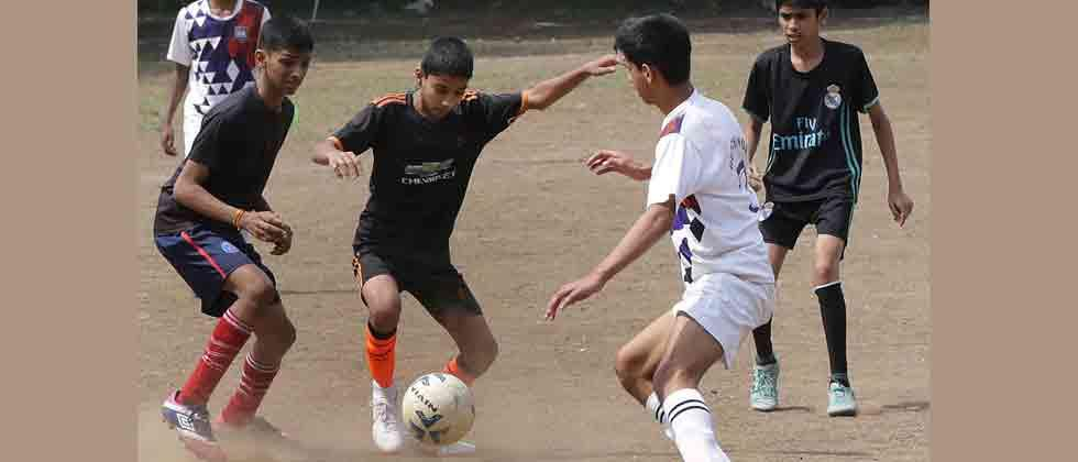 Jatin, Sachin and Aditya strike as Hutchings wins