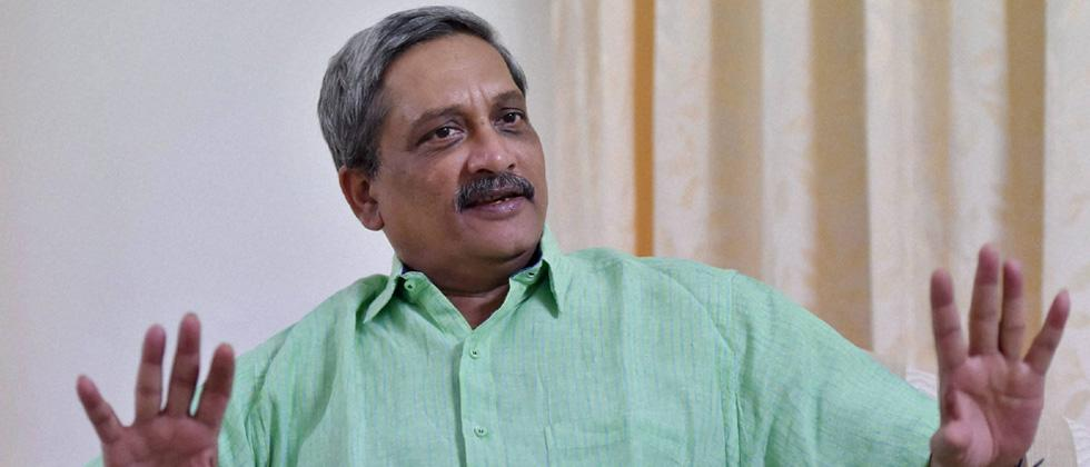 I can't force industries to employ Goans: Parrikar