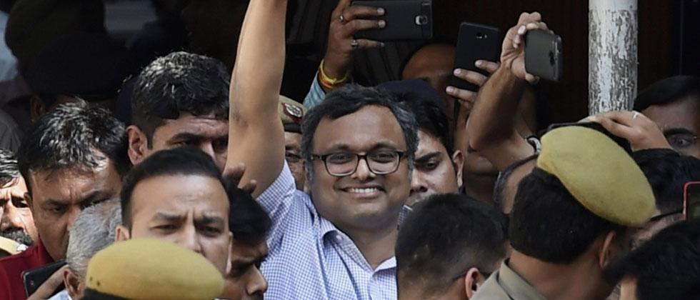 Karti Chidambaram, son of Former Finance Minister P. Chidambaram at Patiala House Court in connection with the INX Media money laundering case. Court has sent Karti to judicial custody till March 24. Photo/Kamal Singh/PTI