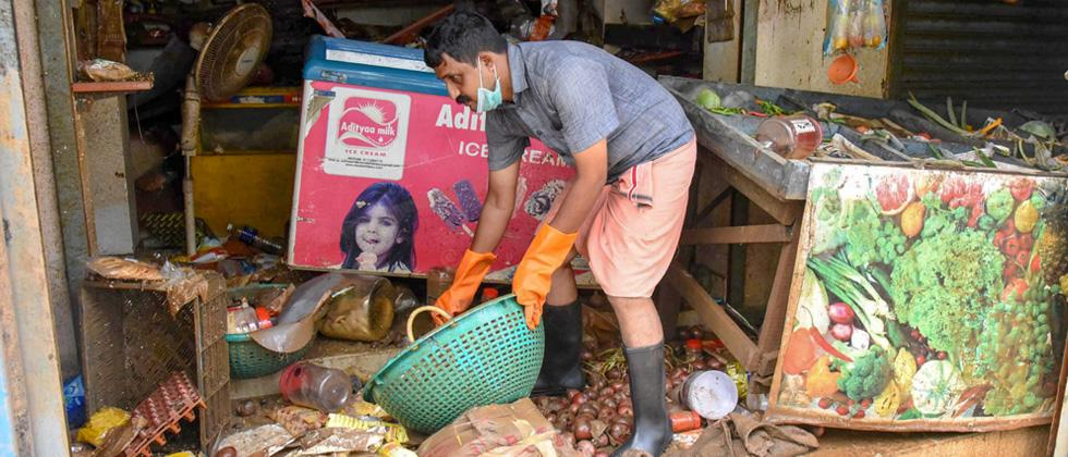Kerala struggles to find its feet after deluge, seeks spl package from Centre