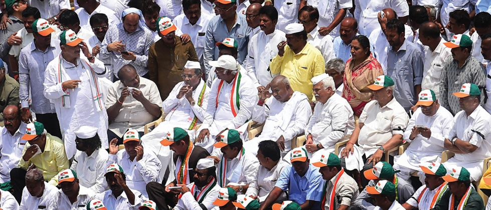 Some Newly-elected JD(S), Cong MLAs reach Hyderabad