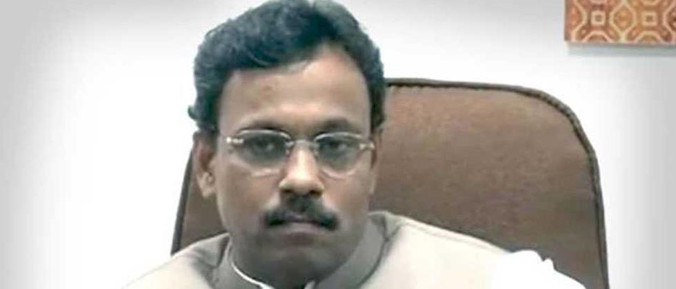 Vinod Tawde blames media for portraying 'dirty' image of politics