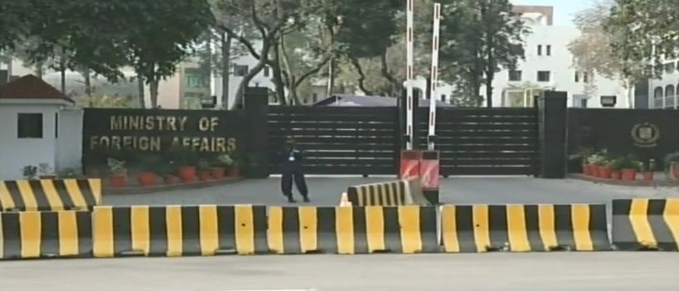 Pak grants India consular access to Jadhav: Khawaja Asif