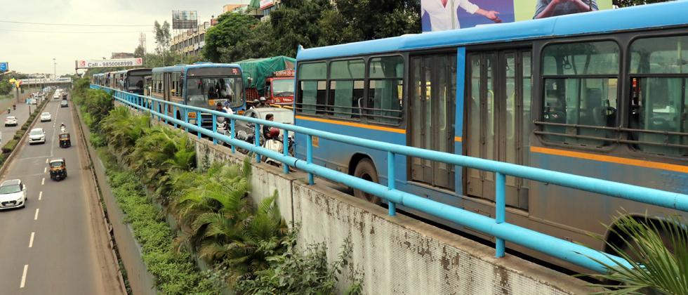 PMPML bus breaks down on BRTS route in Pimpri