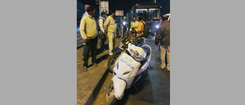 PMPML acts against private vehicles entering BRTS lanes
