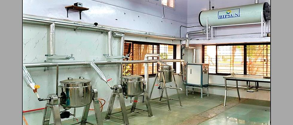 Solar systems supply power to CSIR-NCL's canteen