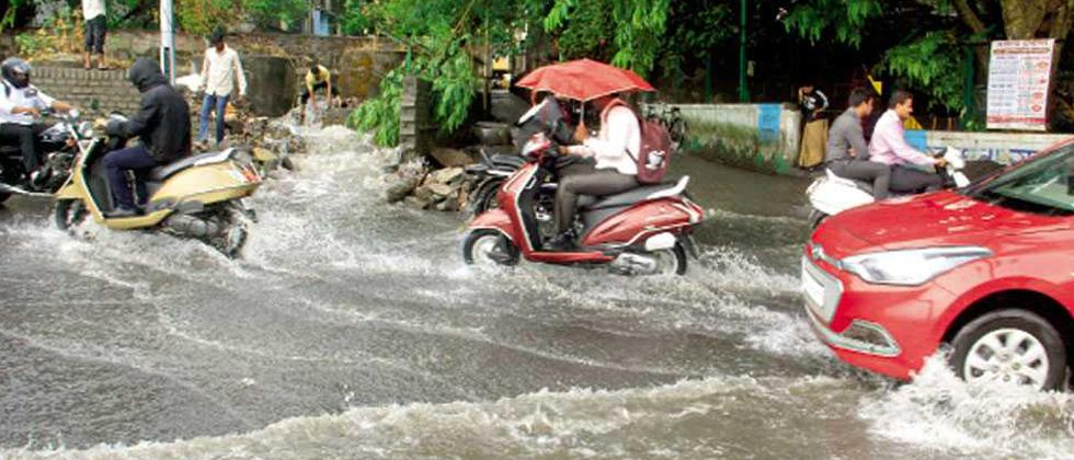 Water logging at RTO causes inconvenience